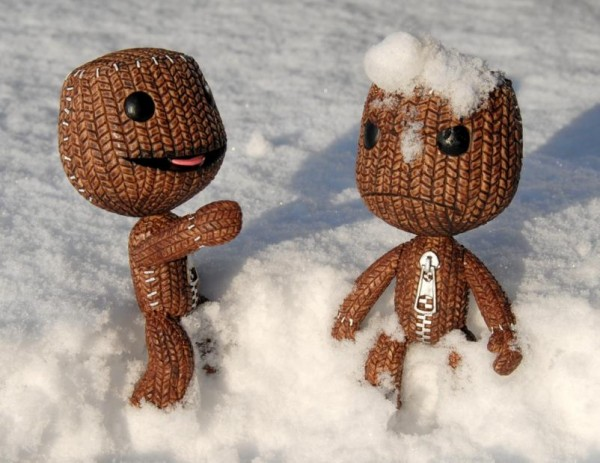 Sackboy Snowball Fight