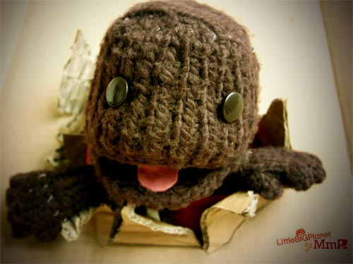 Download the new LittleBigPlanet desktop. YEAH!